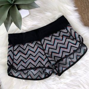 Lululemon Speed Short 2014 Seawheeze 3-D Chevron